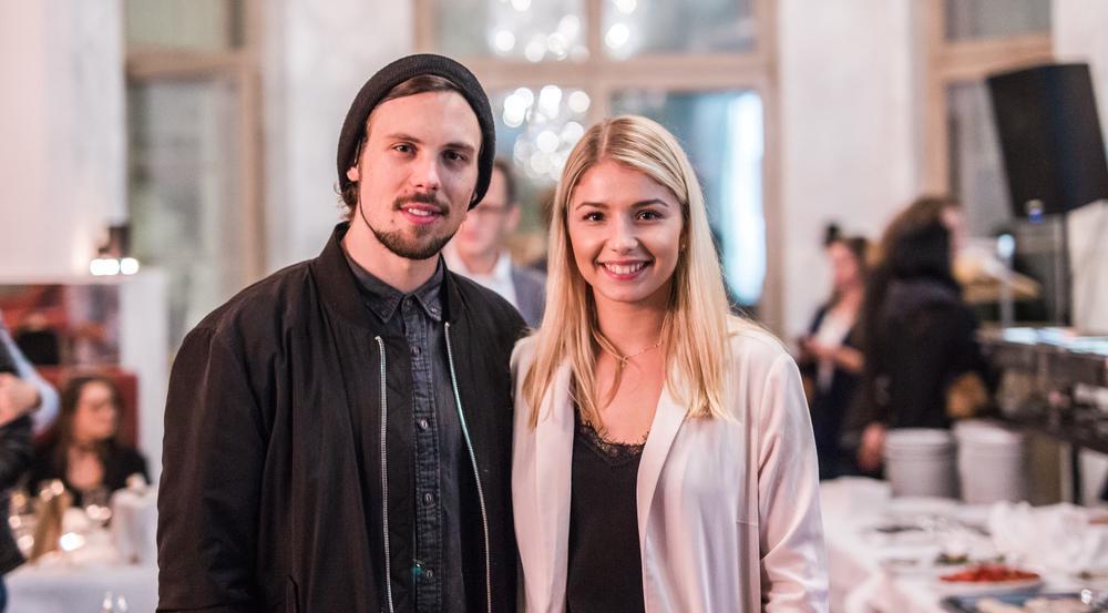 Nicole Cross mit ihrem Gitarrist Manuel Weimann beim exklusiven Konzert im