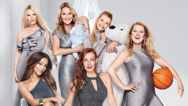 Die Promi-Mütter (v.l.n.r.): Mirja du Mont, Verona Pooth, Caroline Beil, Gastgeberin Ute Lemper, Anne-Sophie Briest und Patricia Kelly