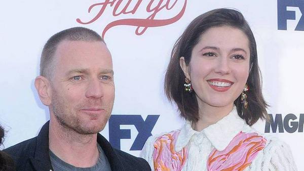 """Am Set von """"Fargo"""" lernten sich Ewan McGregor und Mary Elizabeth Winstead kennen - und offensichtlich auch lieben"""