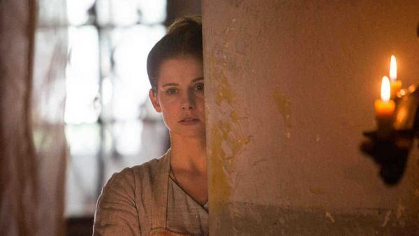 """""""Die Hebamme II"""": Eine Mordserie an Prostituierten erschüttert Wien. Kann Gesa (Josefine Preuß) dem Killer das Handwerk legen?"""