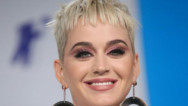 Katy Perry war nicht auf Tour und das merkt sie auf ihrem Konto