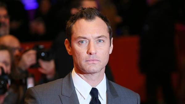 "Dass Jude Law auch Schurken spielen kann, bewies er zuletzt in ""King Arthur"""