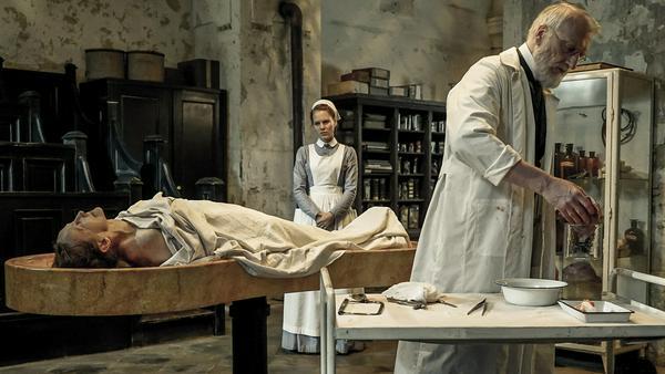 Die erste Staffel zeigte die Welt der Medizin im 19. Jahrhundert - die zweite spielt zum Ende des Zweiten Weltkrieges