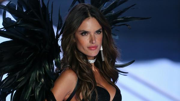 """Alessandra Ambrosio verlässt """"Victoria's Secret"""" nach 17 Jahren"""
