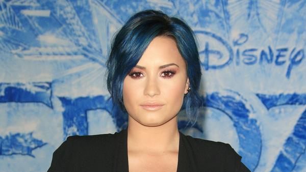 """Demi Lovato bei der Premiere von """"Frozen"""" (""""Die Eiskönigin - Völlig unverfroren"""") 2013 in Los Angeles"""