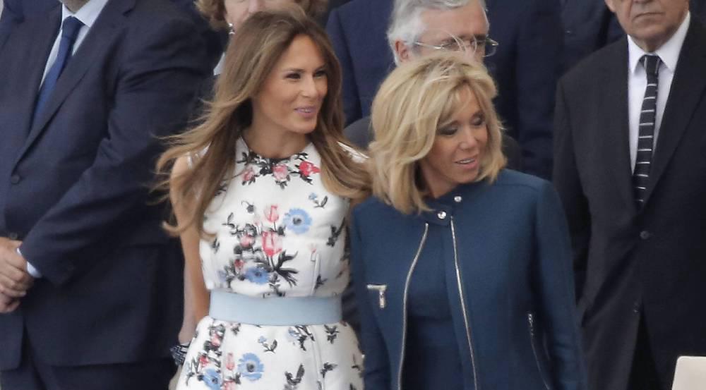 Melania Trump (l.) und Brigitte Macron bei der Militärparade zum französischen Nationalfeiertag