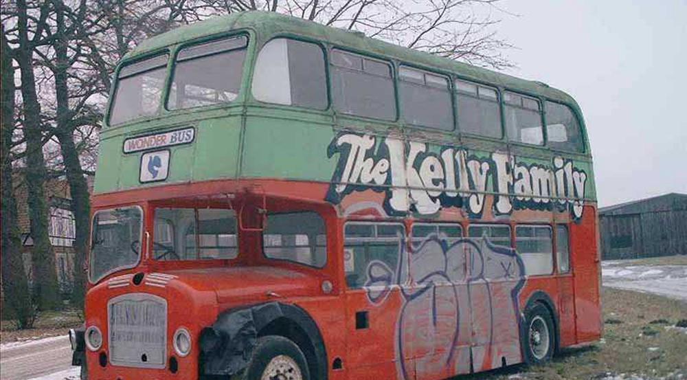 So sah der Tourneebus der Kelly Family vor der Restaurierung aus