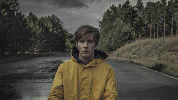 """Louis Hofmann in der ersten deutschen Netflix-Serie """"Dark"""""""