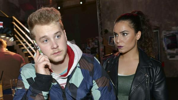 """""""GZSZ"""": Jonas gibt alles, um Shirin abzulenken, doch diese durchschaut ihn und drängt ihn zur Wahrheit zum Verbleib des Autos"""