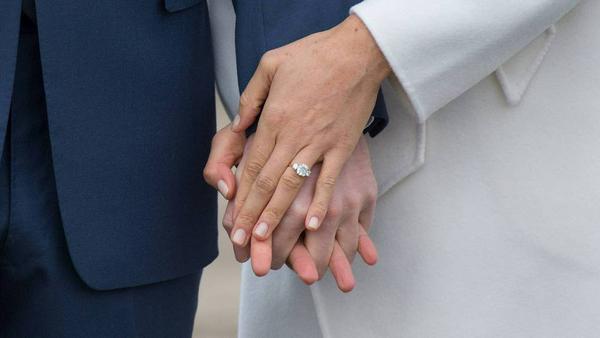 Das ist der Ring: Meghan Markle ist seit Kurzem mit Prinz Harry verlobt