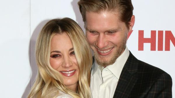 Kaley Cuoco und Karl Cook haben sich verlobt