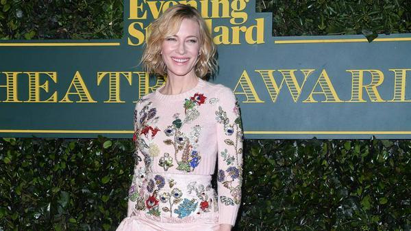 Auf dem roten Teppich strahlte Cate Blanchett die Fotografen an