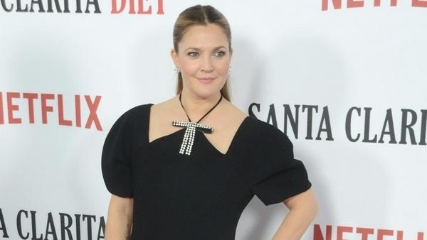 """Seit 2017 sieht man Drew Barrymore in der Serie """"Santa Clarita Diet"""""""