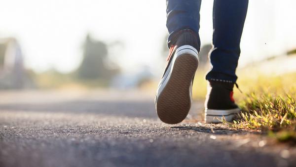 Geht gut: Bewusst einen Fuß vor den anderen setzen