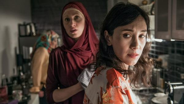 In ihrer türkischen Familie wird Sibel als Außenstehende wahrgenommen
