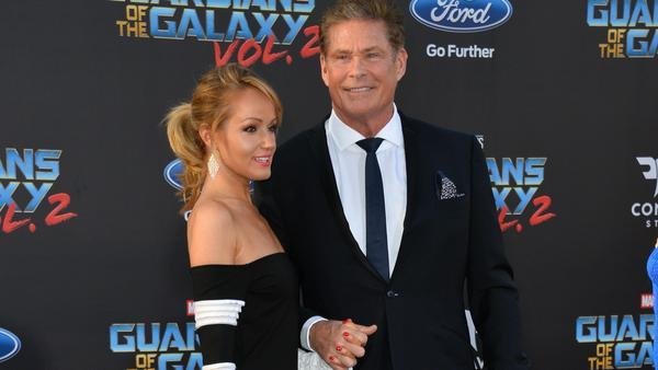 "David Hasselhoff und Hayley Roberts bei der Weltpremiere von ""Guardians of the Galaxy 2"""