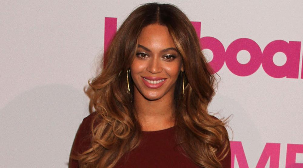 Beyoncé wehrt sich gegen den Vorwurf, während der Schwangerschaft ihre Lippen aufgespritzt zu haben
