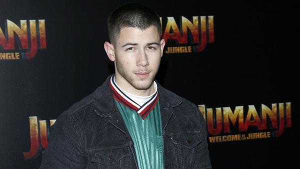 Nick Jonas hat ein gutes Verhältnis zu seiner Mutter