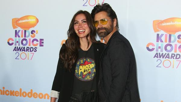 John Stamos mit seiner Verlobten Caitlin McHugh