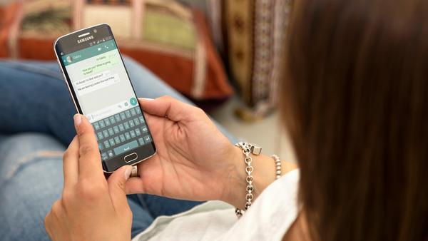 WhatsApp will künftig in Gruppen-Chats mehr Funktionen bieten