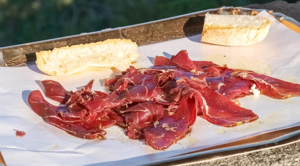 Die Menschen in der Toskana sind zurecht verrückt nach Wildschweinfleisch