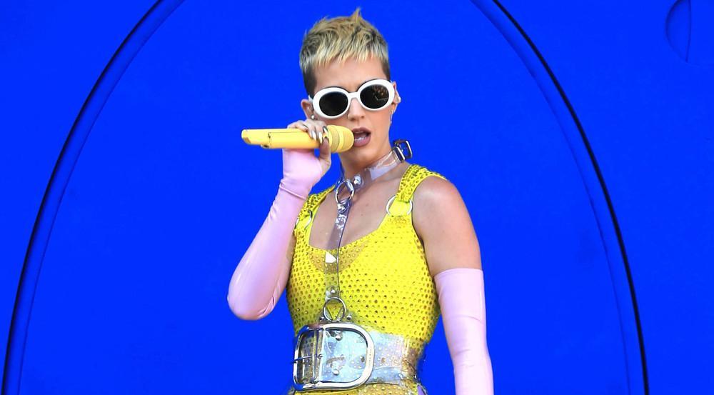 Katy Perry wird später als geplant auf Tour gehen