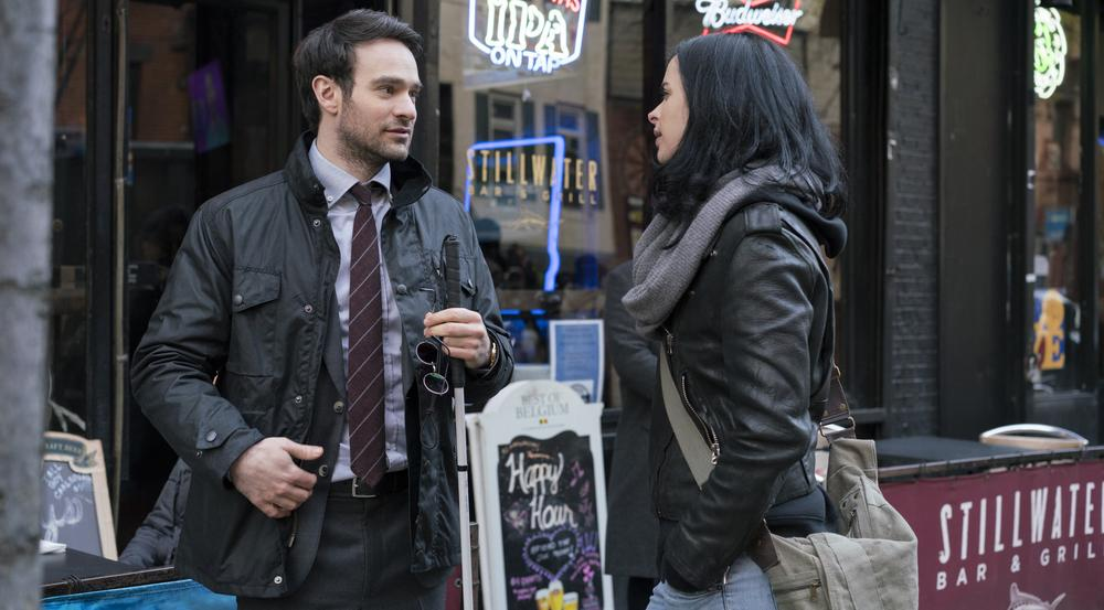 "Charlie Cox und Krysten Ritter in ""Marvel's The Defenders"""