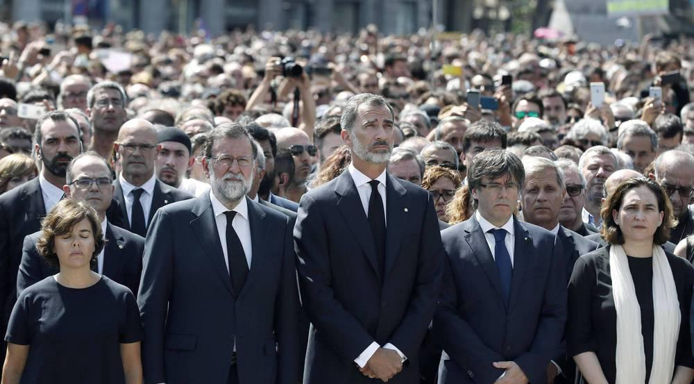 König Felipe gedenkt der Opfer von Barcelona