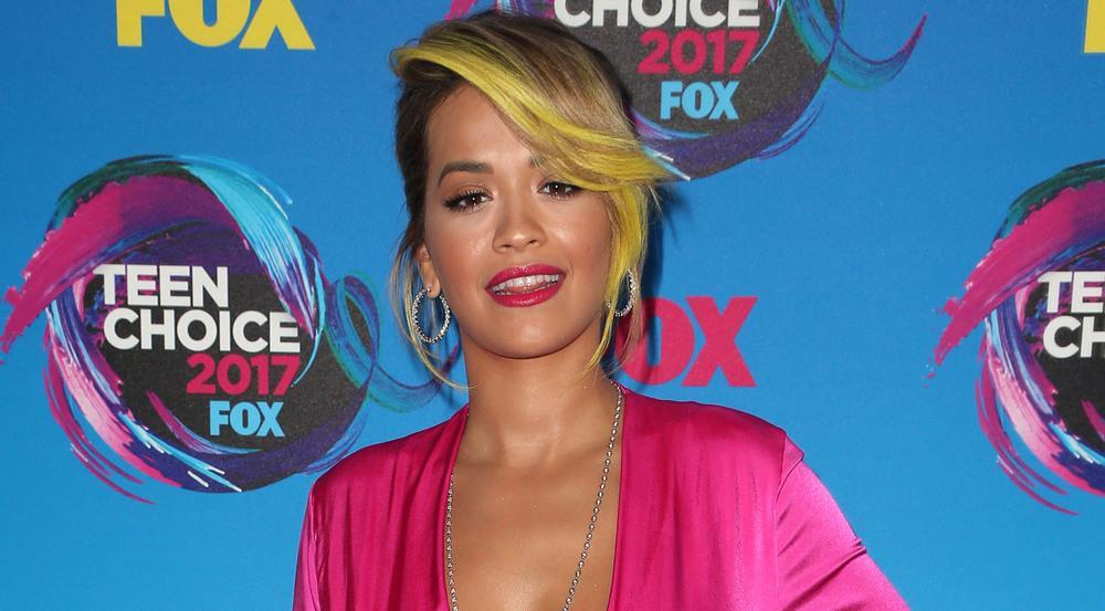 Profi durch und durch: Trotz Schmerzen stand Rita Ora vor der Kamera