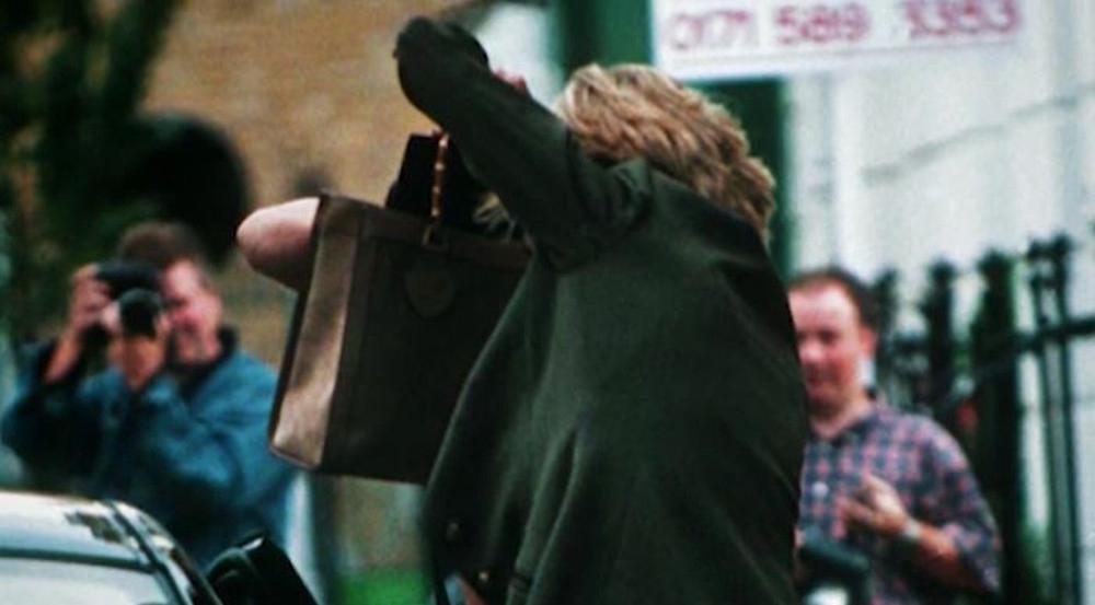 Die Schattenseiten des Ruhms: Diana wehrt sich gegen die Paparazzi