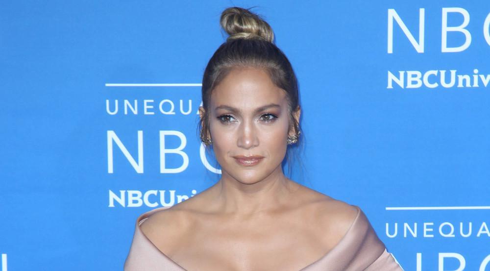 Auch ein gesunder Appetit kann der Hammer-Figur von Jennifer Lopez nichts anhaben