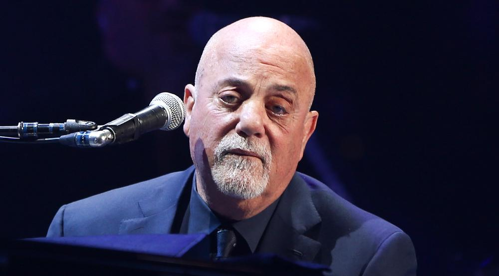 Superstar Billy Joel mit Judenstern bei Konzert
