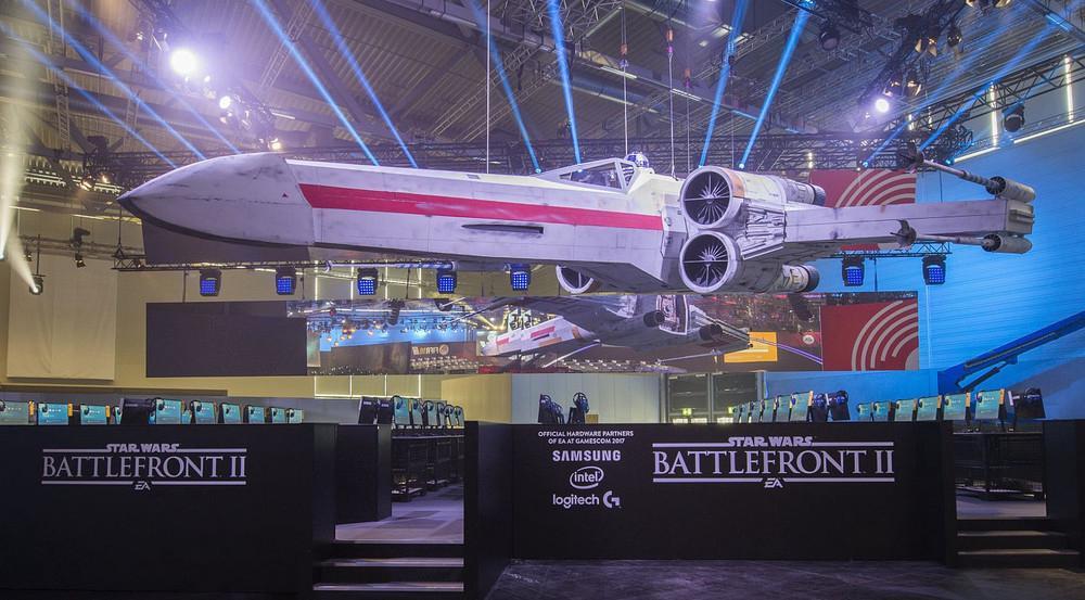 """EA hat keine Kosten und Mühen gescheut und für """"Star Wars: Battlefront II"""" einen imposanten Stand erschaffen"""