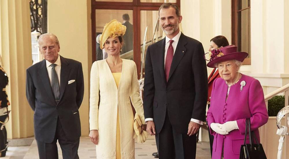 Das spanische Königspaar (Mitte) flankiert von der Queen und Prinz Philip