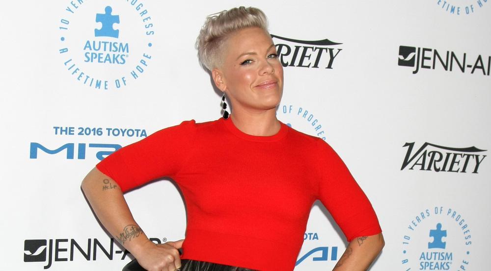 Pink ist seit 2006 mit dem ehemaligen Motocross-Fahrer Carey Hart verheiratet