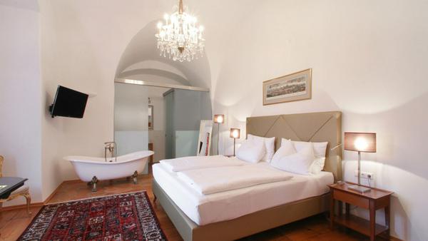Eine Suite im geschichtsträchtigen Schlosshotel