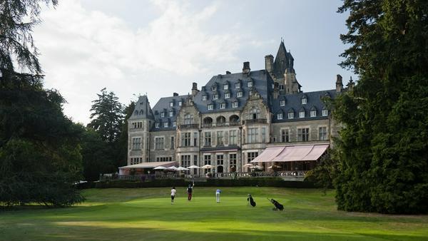 Imposante Kulisse nicht nur für Golfer: Schlosshotel Kronberg