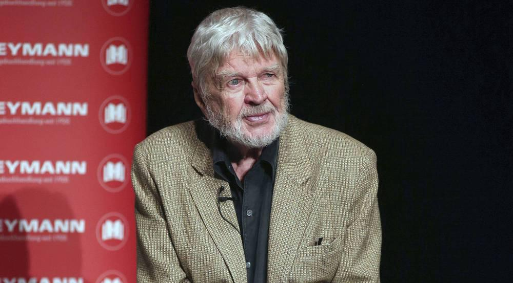 Schauspieler Hardy Krüger veröffentlichte bereits auch mehrere Erzählungen und Romane