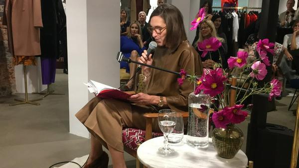 """Annette Weber stellt ihr neues Buch """"My Style"""" bei einer Lesung in München vor"""