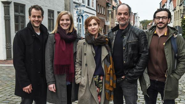 Die Hauptdarsteller: Mirko Lang, Anna von Haebler, Kathrin Angerer, Marek Erhardt, Arnel Taci (v.l.n.r.)