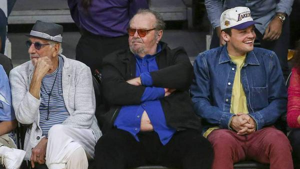 Jack Nicholson: Trotz Hemd-Malheur ganz gelassen