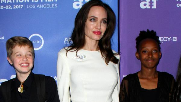 Shiloh Jolie-Pitt, Angelina Jolie und Zahara Jolie-Pitt in Los Angeles