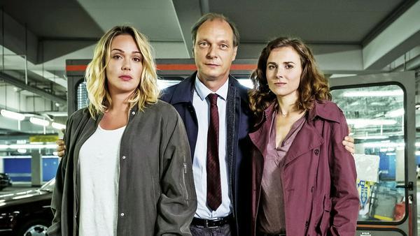 """Ob das """"Tatort Dresden""""-Team auch schon ganz gespannt ist auf die neue Mini-Serie?"""