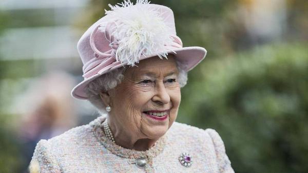 Die Queen freut sich auf die Pferderennen