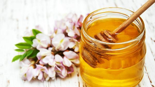Honig schmeckt nicht nur süß, sondern ist auch ein beliebtes Hausmittel