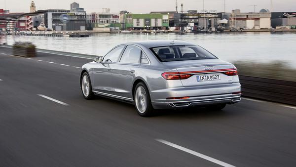 Fahrdynamisch vor den Mitbewerbern von Mercedes und BMW