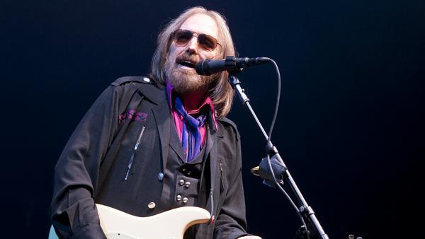 Tom Petty mit seinen Heartbreakers bei einem Auftritt in Pittsburgh