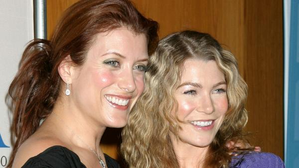 """Kate Walsh (l.) mit ihrer einstigen """"Grey's Anatomy""""-Kollegin Ellen Pompeo"""