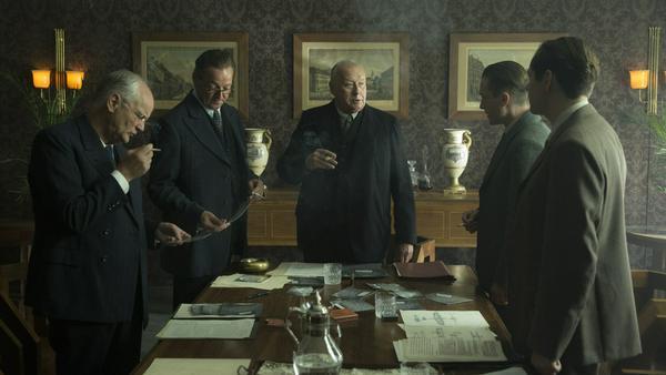 """Matthias Brandt, Thomas Thieme und Volker Bruch sind nur drei der Stars in """"Babylon Berlin"""""""