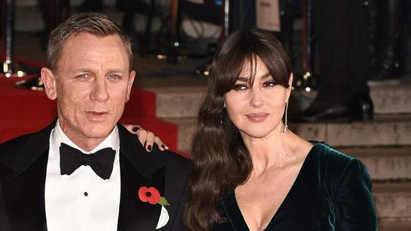 """Daniel Craig und Monica Bellucci bei der Weltpremiere von """"Spectre"""" im Jahr 2015"""